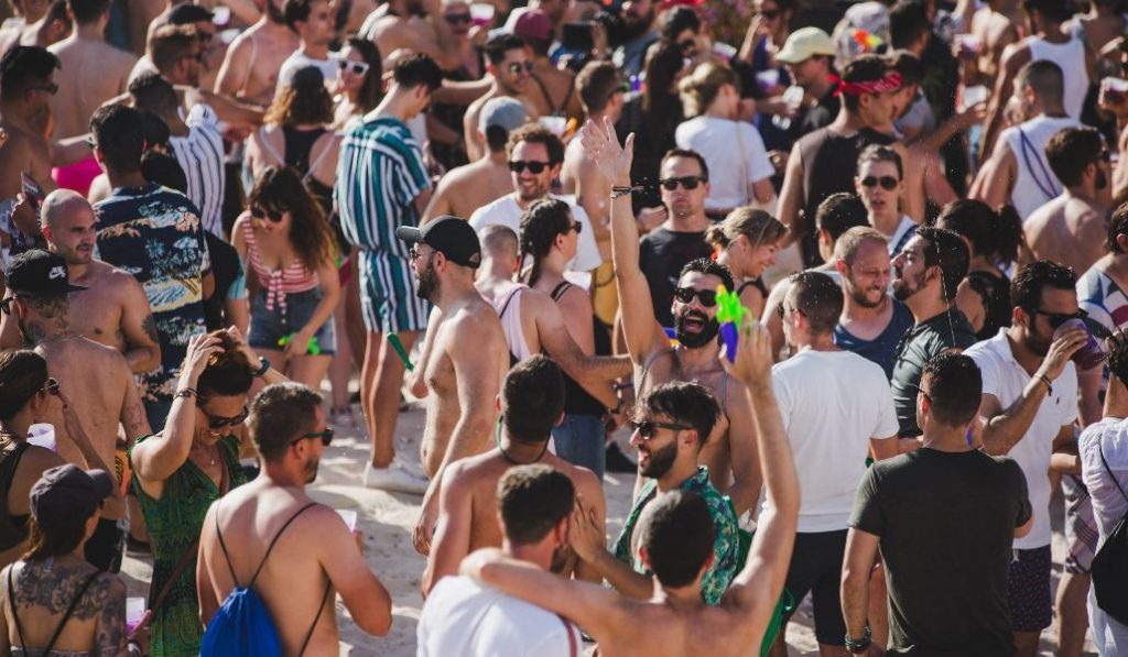 Una fiesta en la «playa» de Madrid con Mala Rodríguez, La Casa Azul y Nathy Peluso