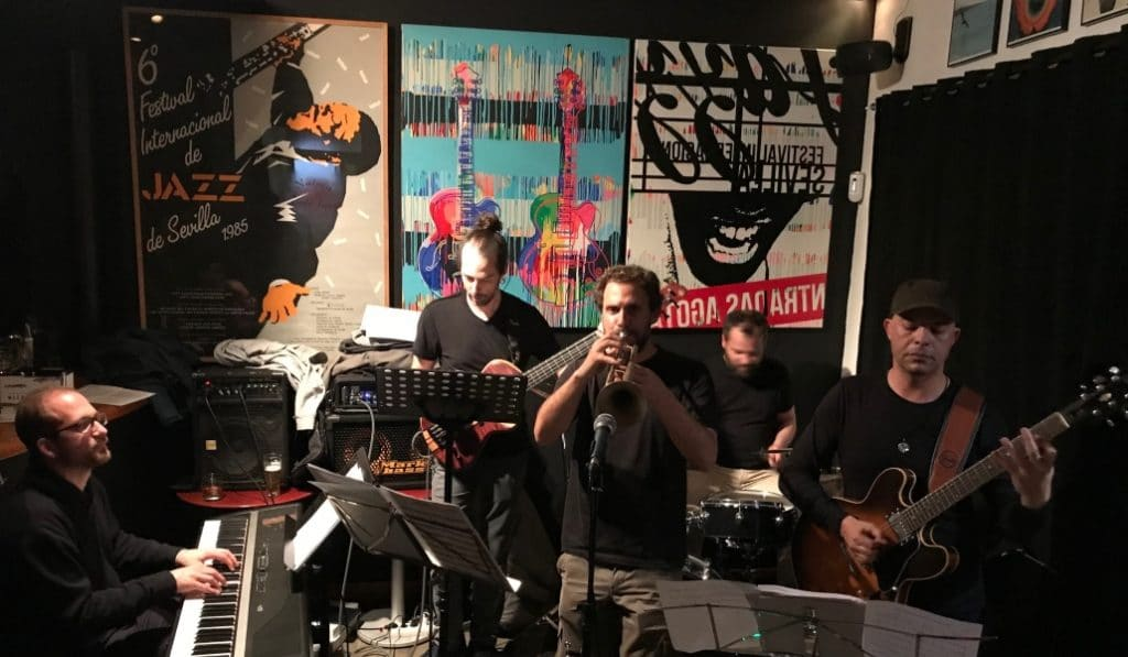 La gentrificación cierra las puertas del mítico Café Jazz Naima