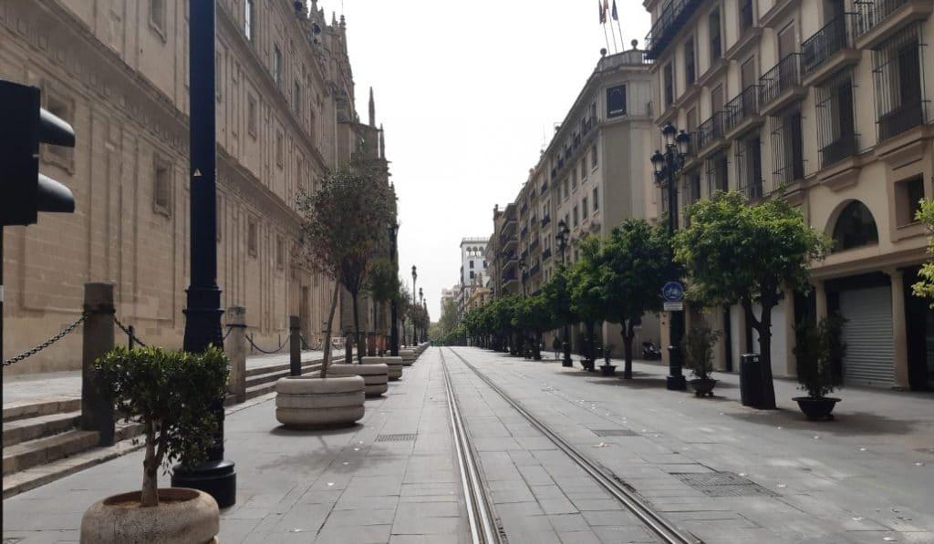 Las imágenes de la Sevilla desierta durante la cuarentena
