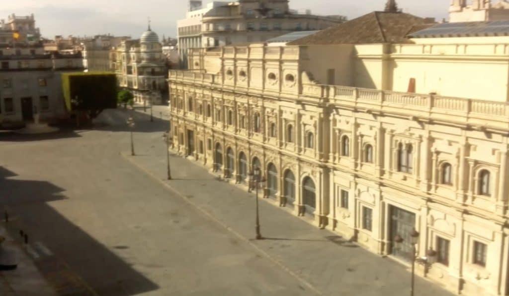 Sevilla vacía y en directo: las cámaras que retransmiten la ciudad desierta
