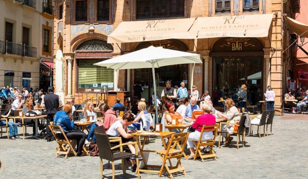 El Ayuntamiento de Sevilla aumentará el número de veladores