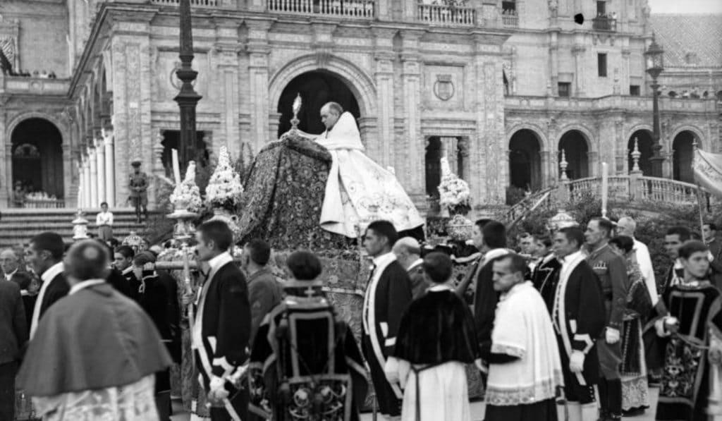 Una exposición virtual ofrece una selección de fotografías increíbles de la Sevilla del siglo XX