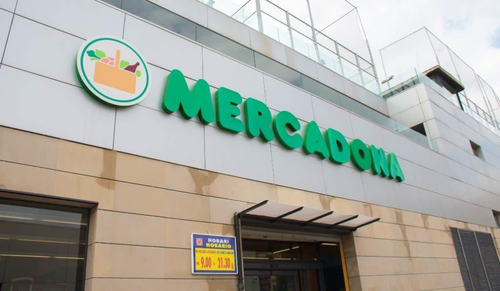 Mercadona dona 97,5 toneladas de productos a los bancos de alimentos de Andalucía