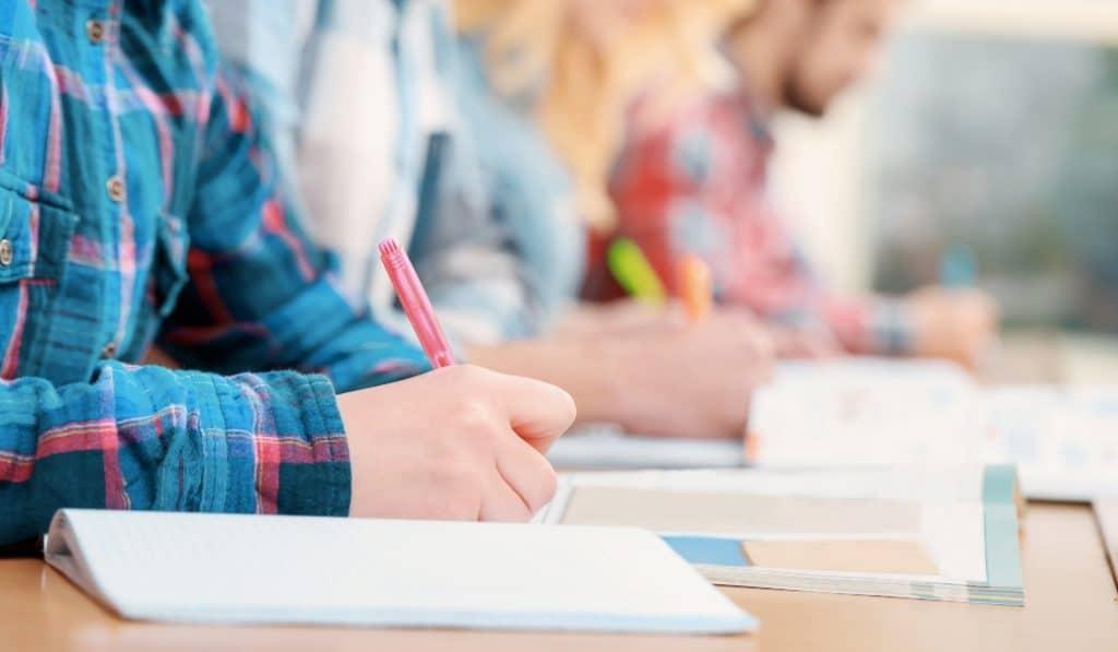 Andalucía no aplicará el aprobado general a sus alumnos