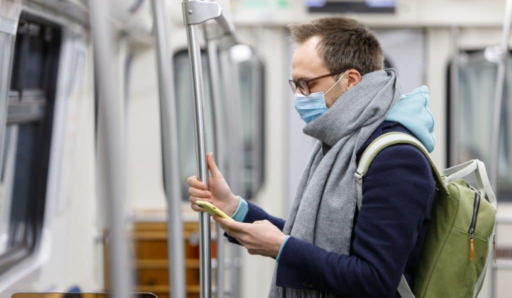 La mascarilla, obligatoria en el transporte público a partir del lunes 4 de mayo
