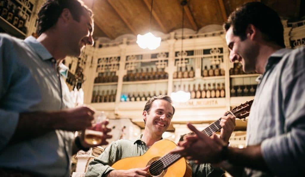 Disfruta de un sábado de flamenco con Hermanos Domínguez