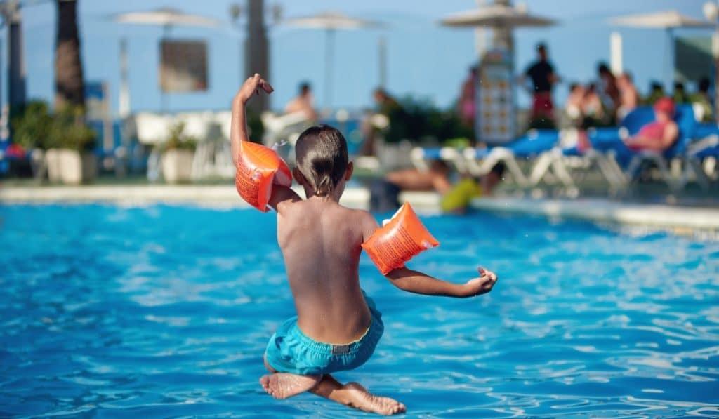 Así abrirán las piscinas en Sevilla este verano