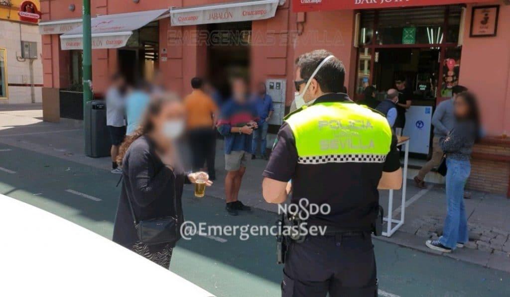 La Policía desmantela un bar de Nervión por no respetar la distancia de seguridad
