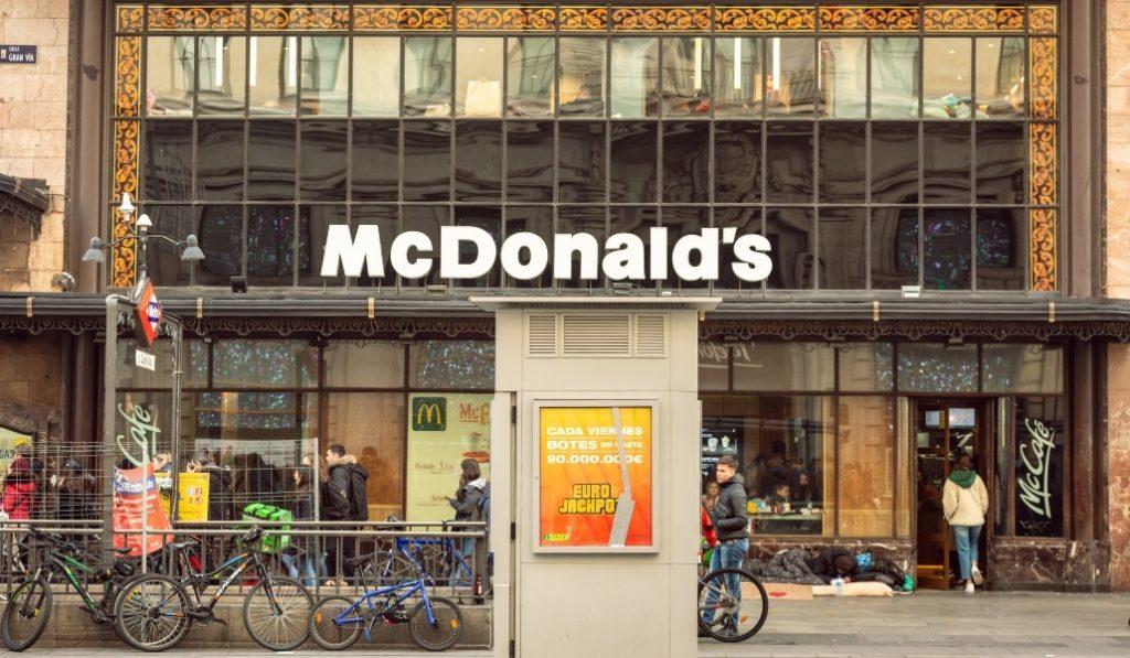 Así es como McDonald's prepara su reapertura