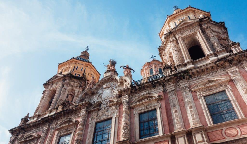 Empiezan las visitas más originales a San Luis de los Franceses