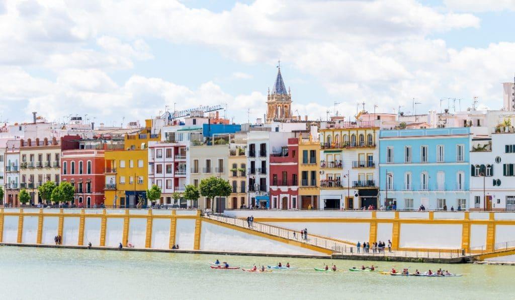 Sevilla tendrá un monumento a los sanitarios del Covid en la calle Betis