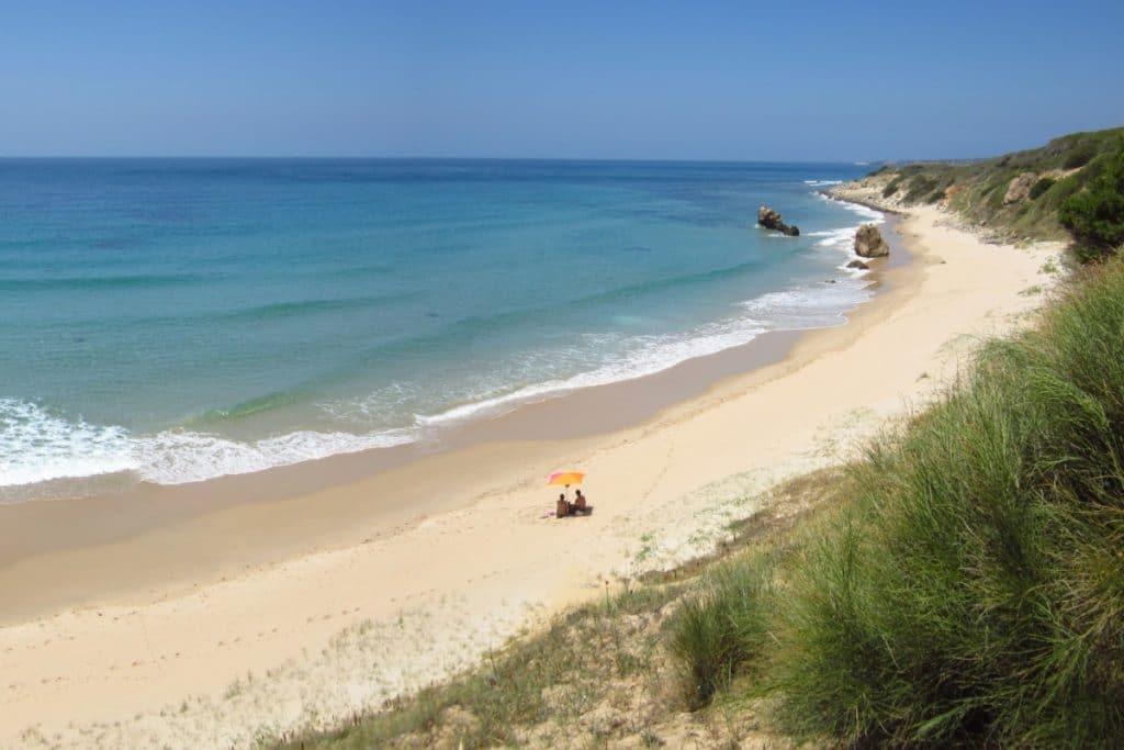 Las mejores playas nudistas cerca de Sevilla