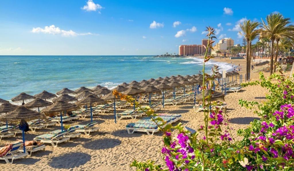 21 playas andaluzas cerraron ayer por superar el aforo permitido