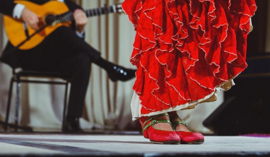 Descubre la Sevilla de los Cafés Cantante para celebrar la Bienal de Flamenco