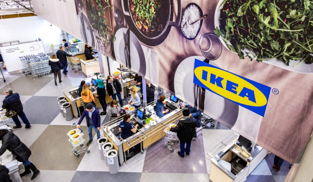 IKEA Sevilla ofrece «packs sorpresa» de la comida que no ha vendido en sus restaurantes