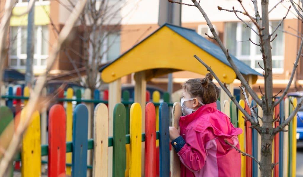 Cierran todos los parques infantiles de Sevilla para evitar contagios
