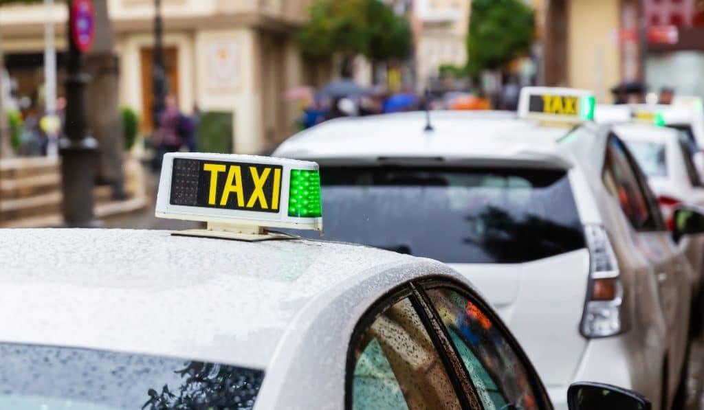 Detienen al dueño del Taxi Maserati por estafa al seguro con el incendio del coche
