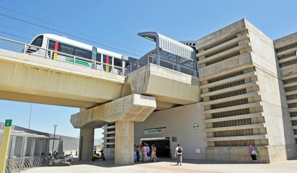 El Metro de Sevilla ya te permite pagar con el móvil o tarjeta bancaria