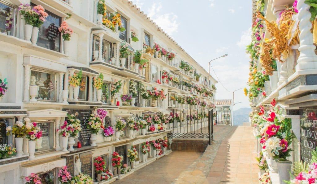 Así es el plan especial para el Día de Todos los Santos en Sevilla