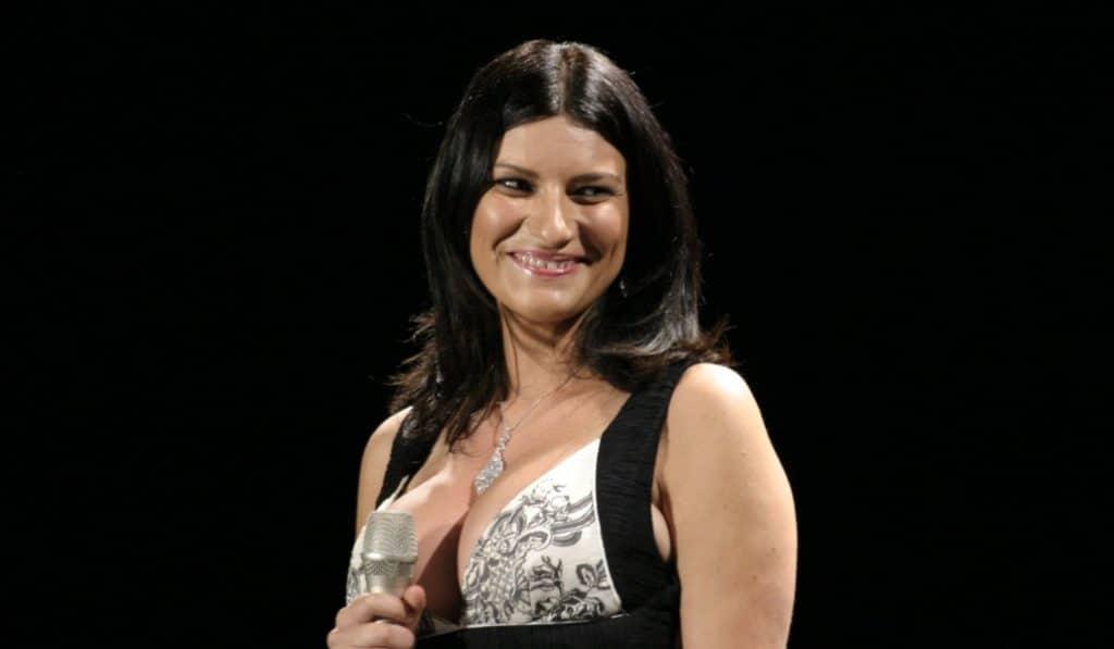 Laura Pausini se enamora de las voces sevillanas: «¿Qué hay en Sevilla que todos cantan de forma tan especial?»