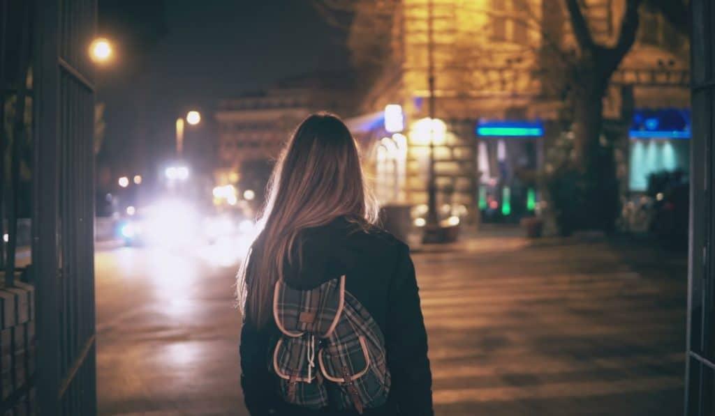 España vuelve al estado de alarma y establece un toque de queda nocturno