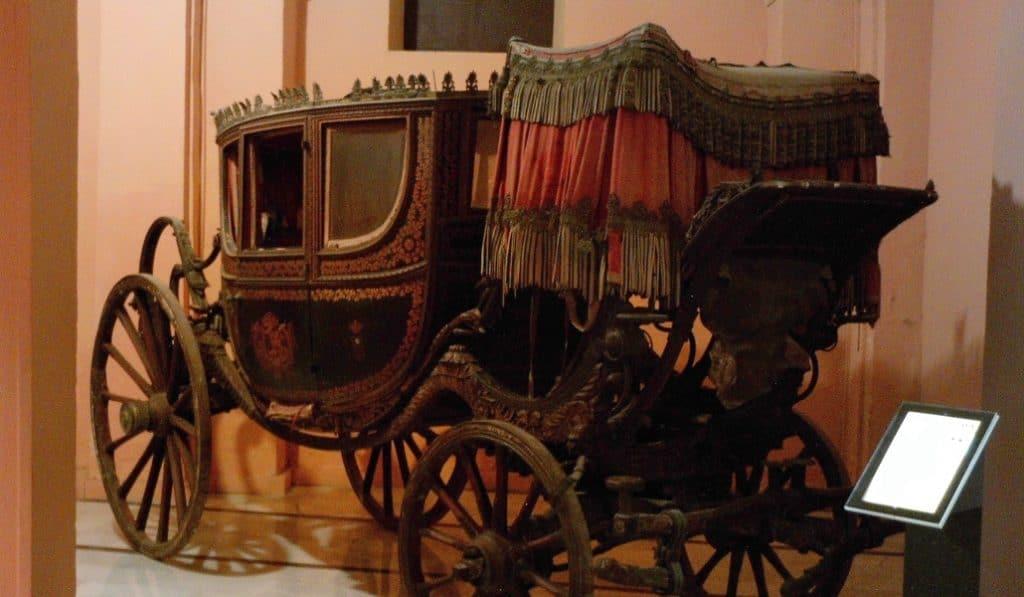 El Museo de Carruajes de Sevilla echa el cierre tras veinte años