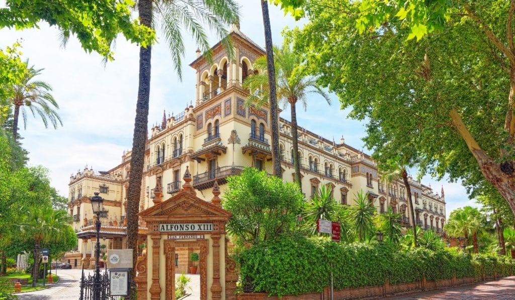 Cierra el hotel Alfonso XIII, al menos, hasta el 18 de diciembre