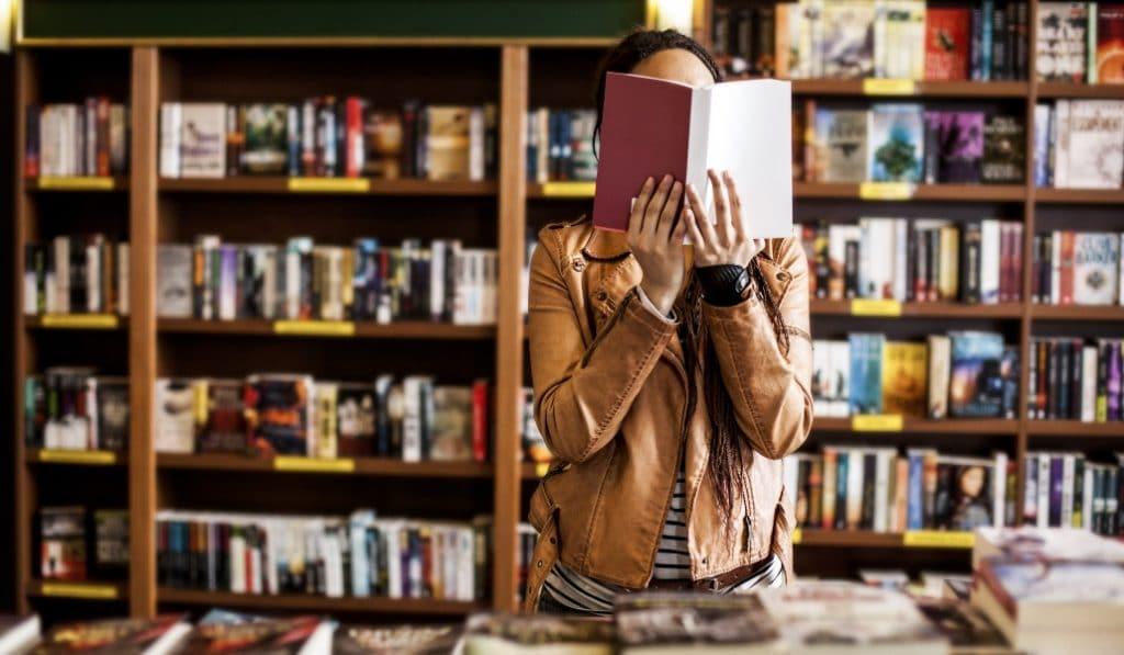 Celebra el Día de las librerías con este paseo literario en la Casa Tomada