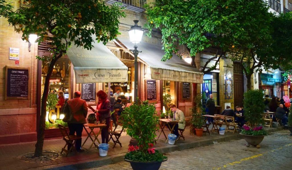 Andalucía permite mantener abierta la hostelería para el servicio a domicilio