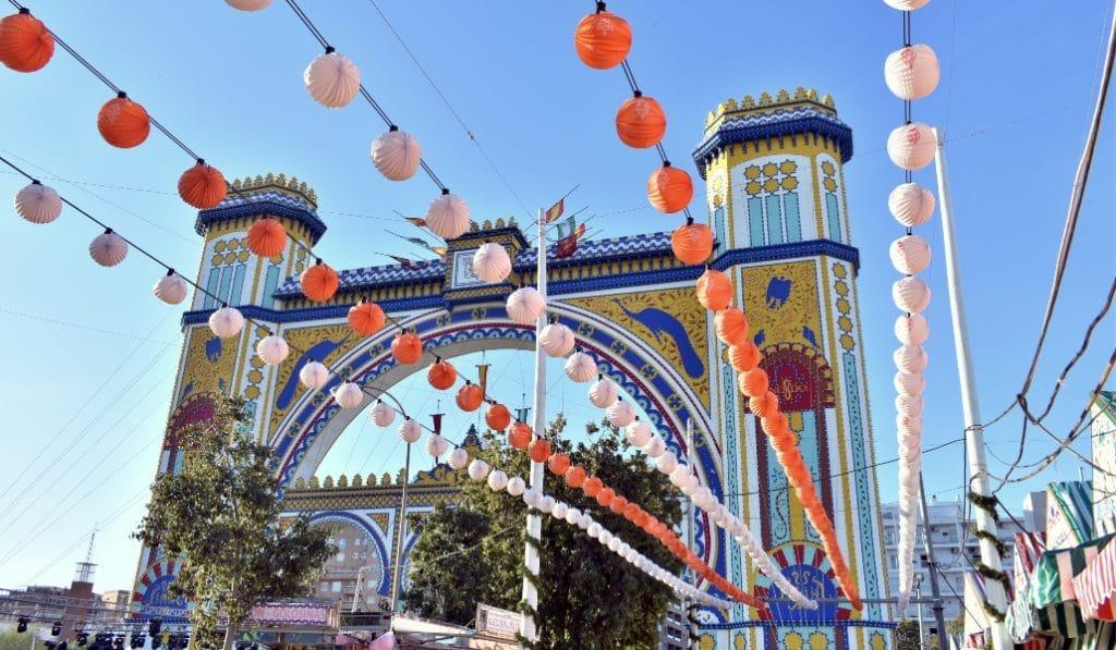 ¿Deberían celebrarse la Semana Santa y la Feria?