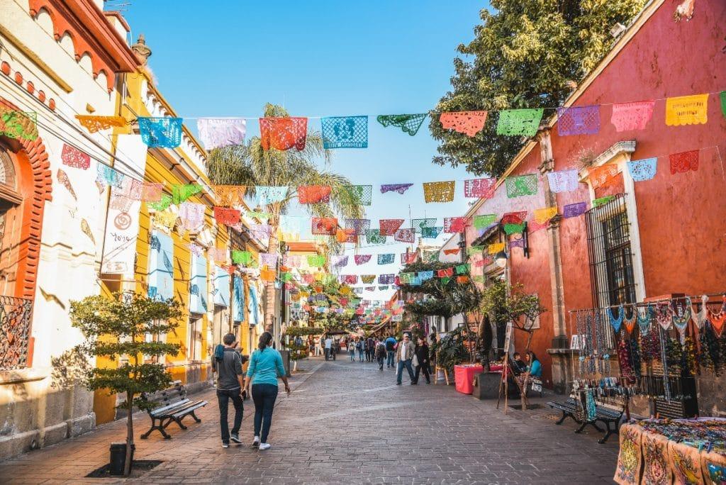 ¿Sabes con qué ciudades está hermanada Sevilla?
