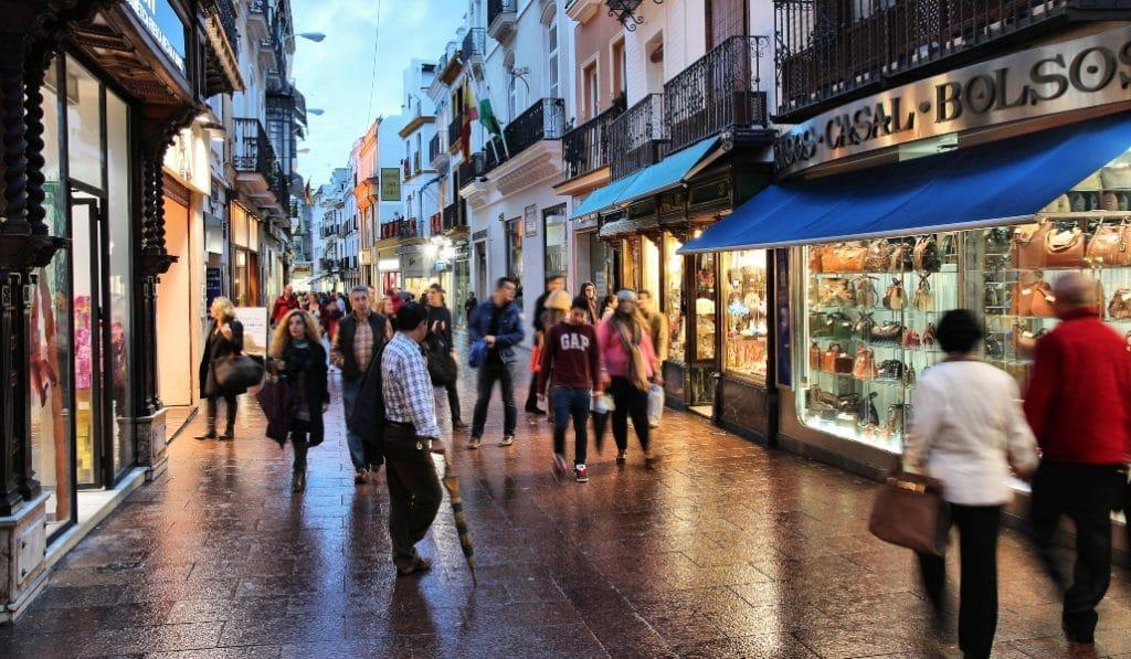 La Junta decidirá después del 24 de diciembre si endurece las restricciones en Andalucía