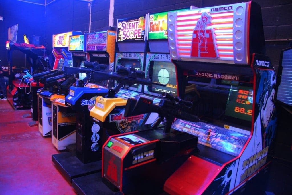 Arcade Planet: el salón de videojuegos de los 80 más grande de España está en Sevilla