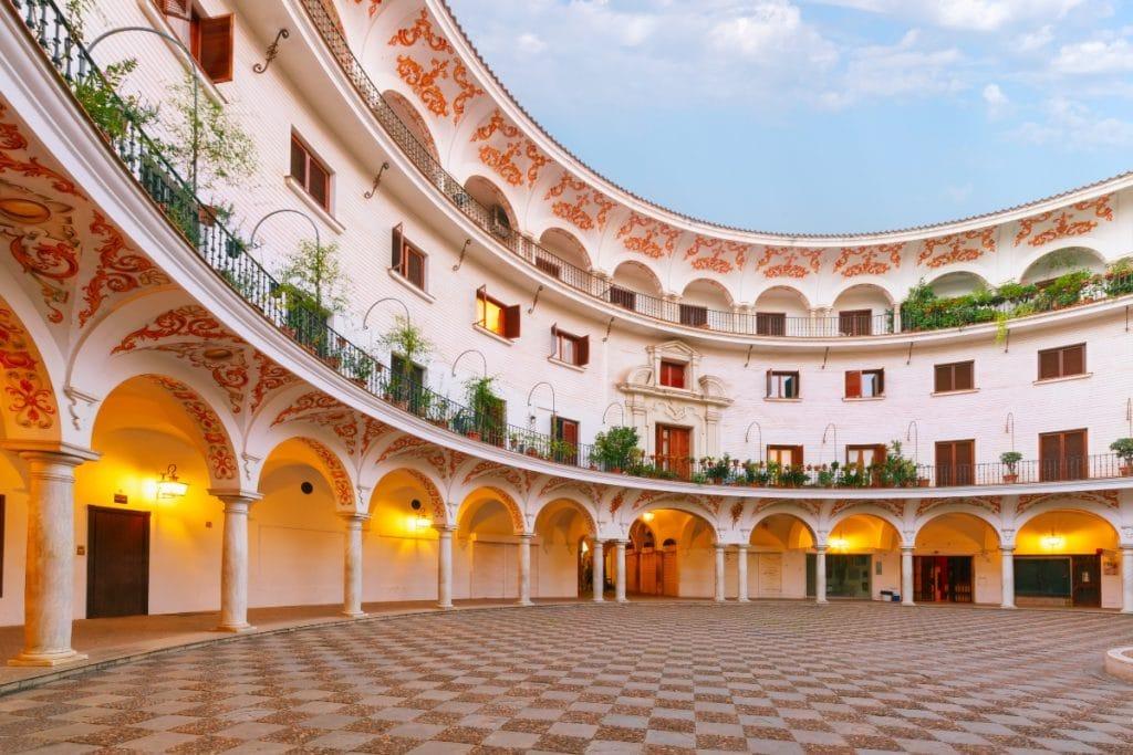 Sevilla celebra el Día de la Mujer con visitas guiadas a lugares increíbles de la ciudad