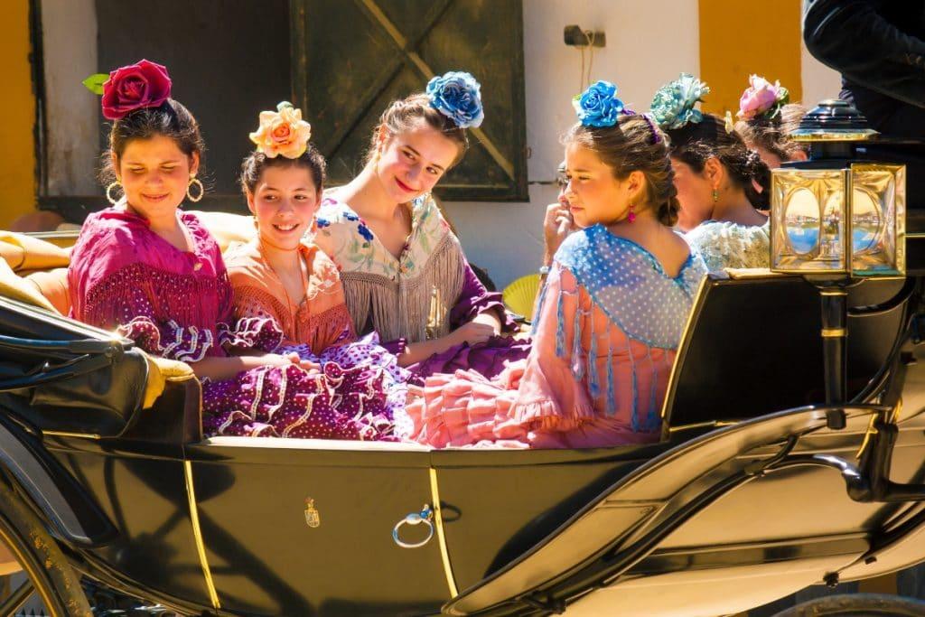 La Plaza Nueva acoge el primer mercadillo de moda flamenca de Sevilla
