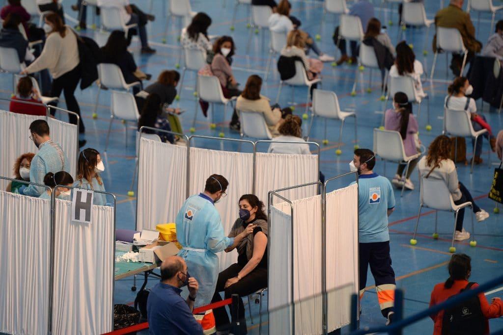 Este jueves arranca la vacunación masiva en el Estadio de la Cartuja