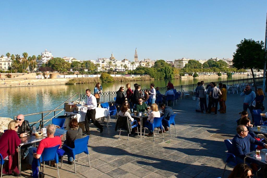 Andalucía permite los viajes entre provincias y los bares podrán abrir hasta las 23.00 horas