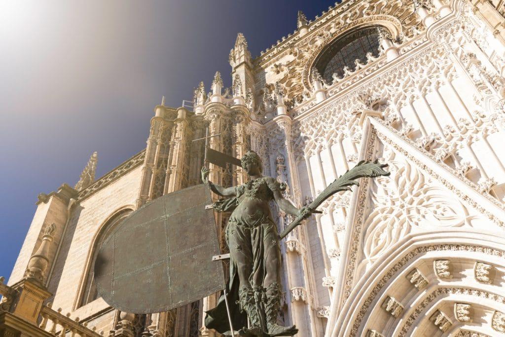 La catedral de Sevilla reanuda sus visitas culturales