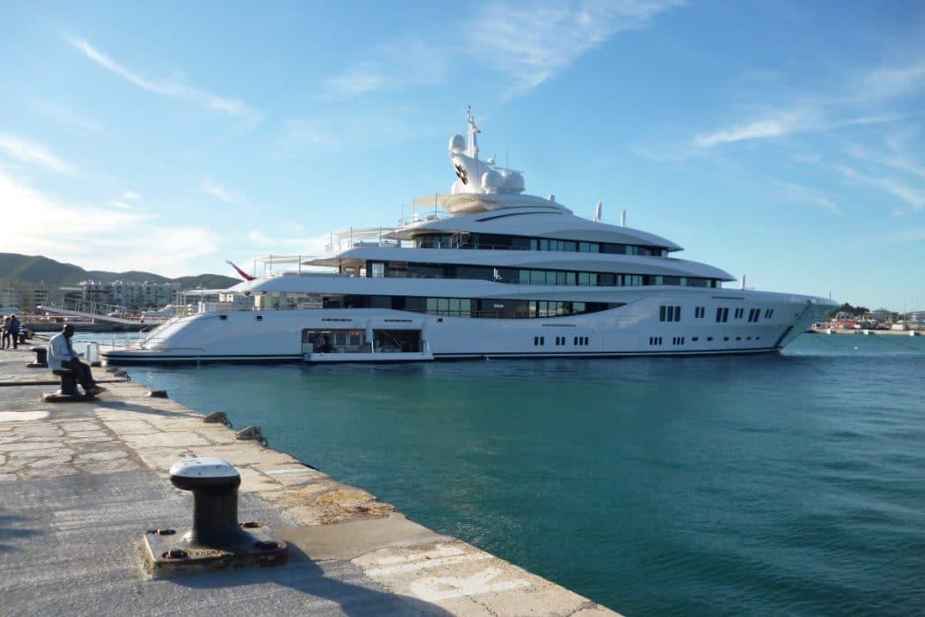 Lady Lara: el yate de 200 millones de euros llega a Sevilla desde Portimão