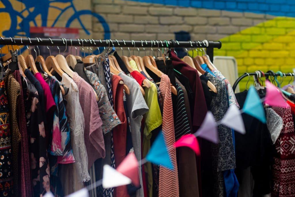 Cáritas abre su primera tienda de ropa en Sevilla