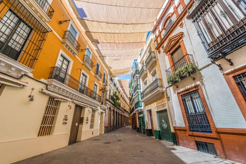 Sevilla no tendrá toldos en todo el verano