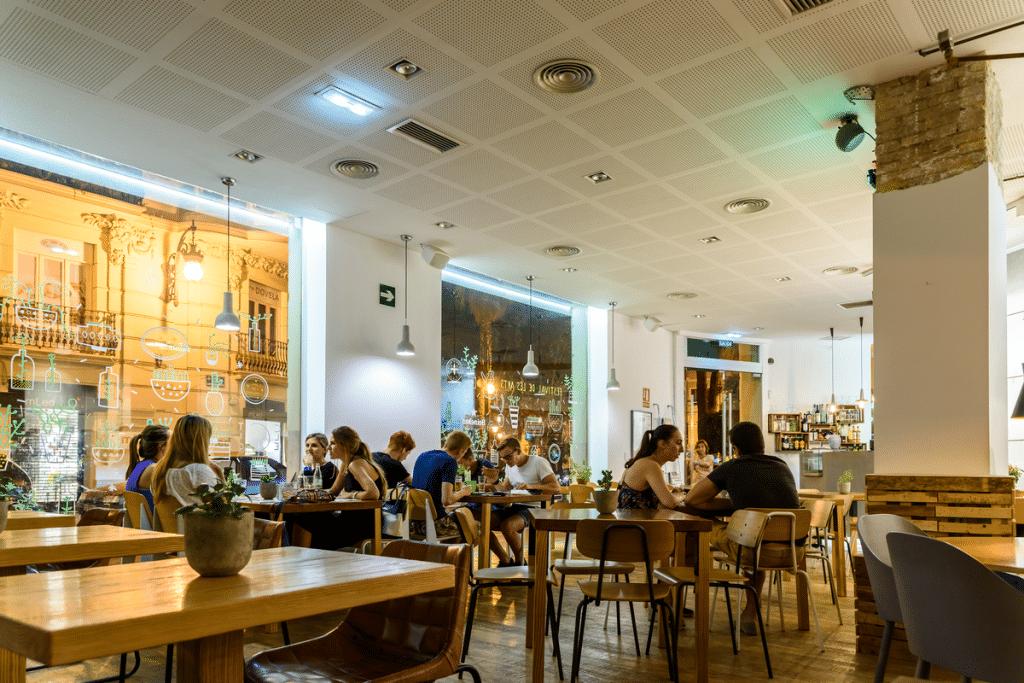 interior restaurante bar