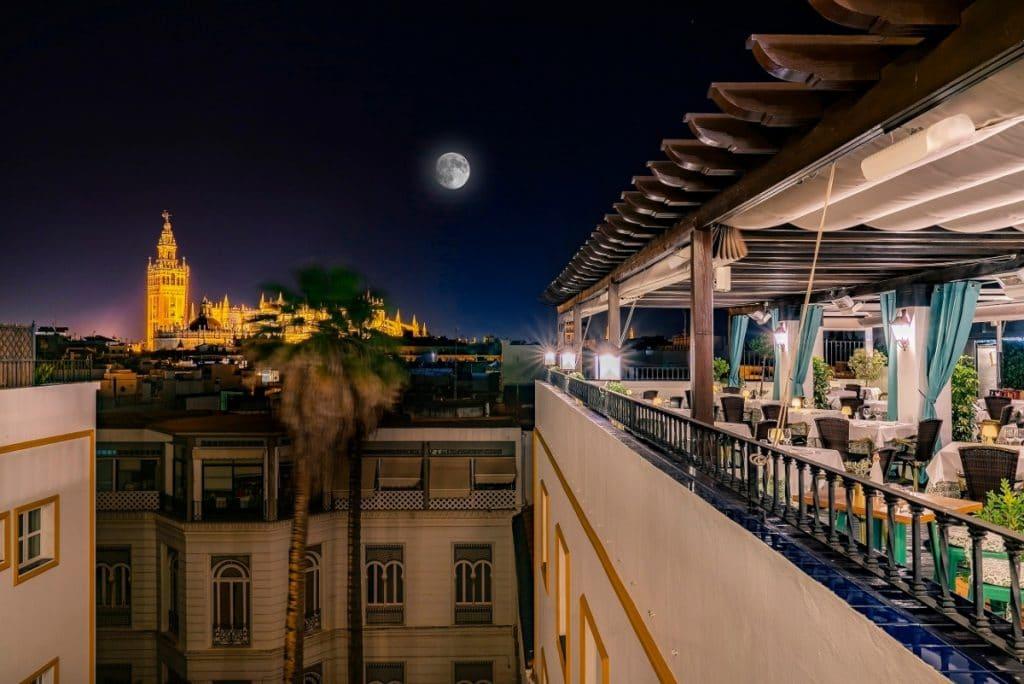 'Las noches de luna llena': gastronomía y vistas de ensueño en Sevilla