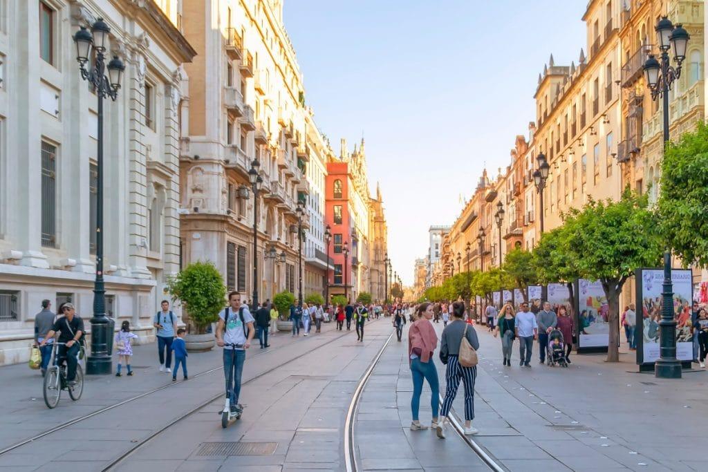 La Avenida de la Constitución acogerá un desfile de moda flamenca