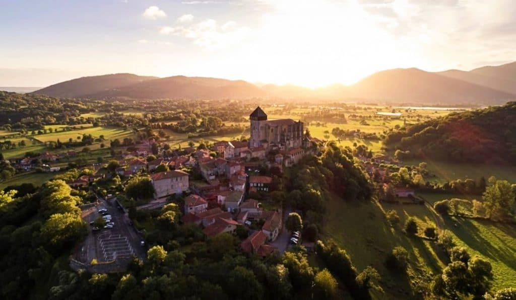 Découvrez le Mont-Saint-Michel des Pyrénées : Saint-Bertrand-de-Comminges