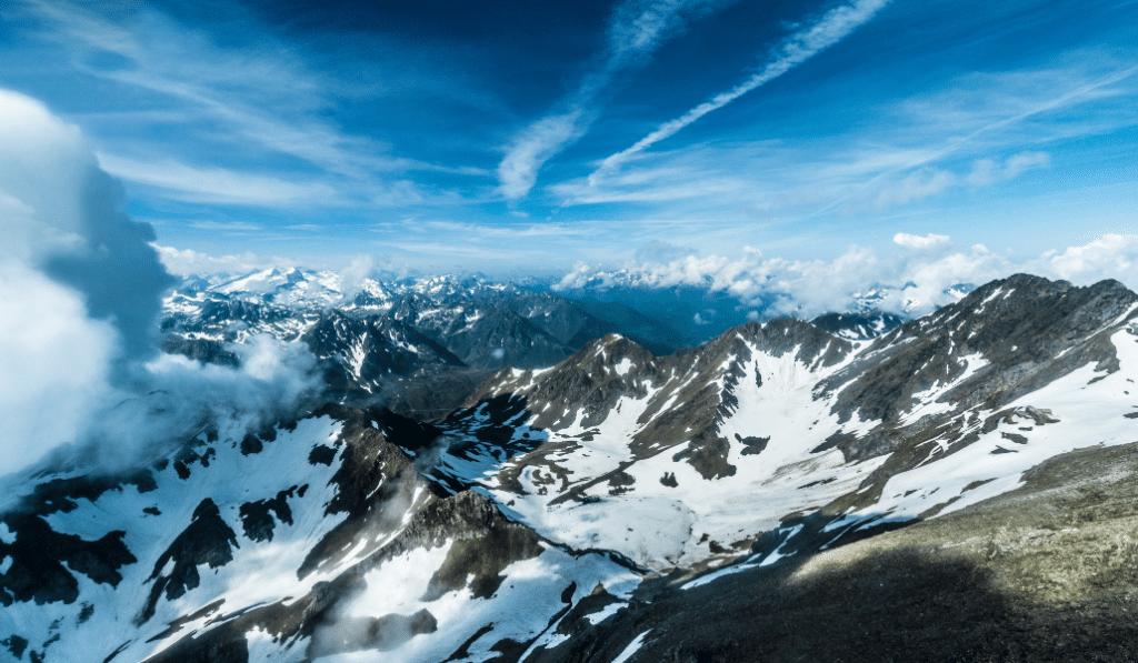 Des images de la neige qui est tombée sur les Pyrénées hier !