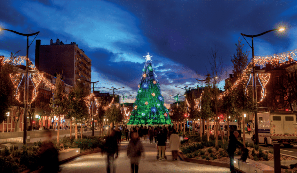 Le sapin de Noël géant sera bien de retour cet hiver à Toulouse !