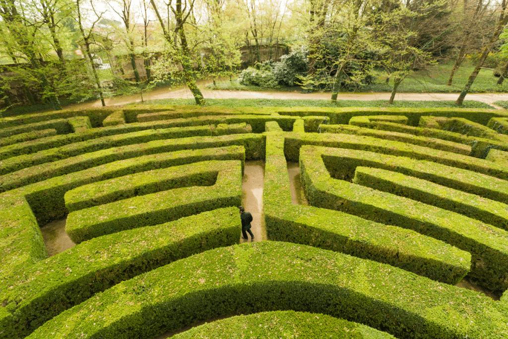 Le plus grand Labyrinthe de Buis d'Europe vous convie à un voyage au 18è Siècle pour le weekend de la Pentecôte !