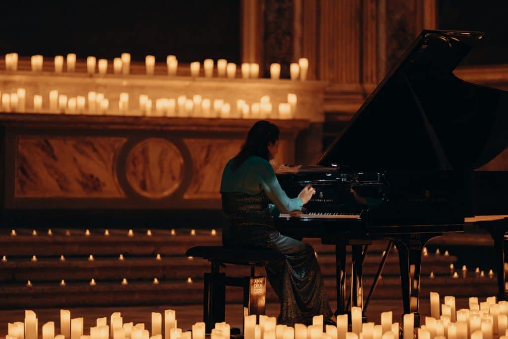 Un concert à la bougie alliant Bach et les Beatles : le mélange improbable qui va ravir les mélomanes !