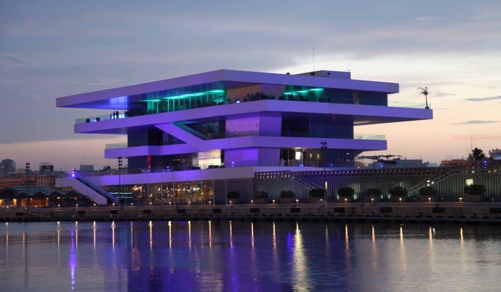 La Fireta Valencia: terraceo y espectáculos cada tarde en una terraza al nivel del mar
